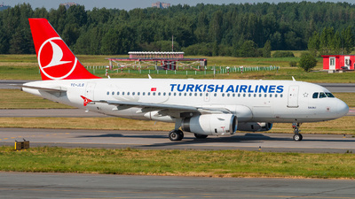 A picture of TCJLS - Airbus A319132 - Turkish Airlines - © KomradAlexey