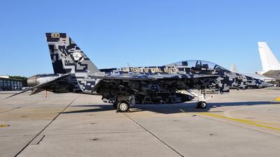 165677 - Boeing F/A-18F Super Hornet - United States - US Navy (USN)