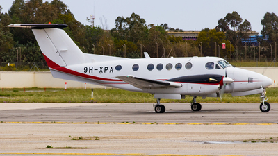 9H-XPA - Beechcraft 200 Super King Air - Luxwing
