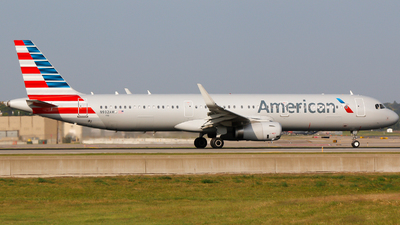 N932AM - Airbus A321-231 - American Airlines