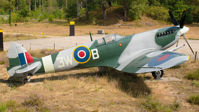 3W-B - Supermarine Spitfire - Netherlands - Royal Air Force