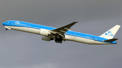 A picture of PHBVS - Boeing 777306(ER) - KLM - © Jeroen Stroes