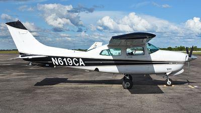 A picture of N619CA - Cessna 210N Centurion - [21064189] - © Thiago Almeida Denz