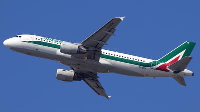 EI-DTN - Airbus A320-216 - Alitalia