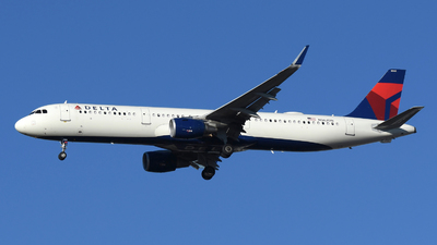 A picture of N362DN - Airbus A321211 - Delta Air Lines - © DJ Reed - OPShots Photo Team