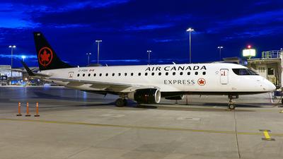 A picture of CFEKI - Embraer E175SU - Air Canada - © Craig L Baldwin