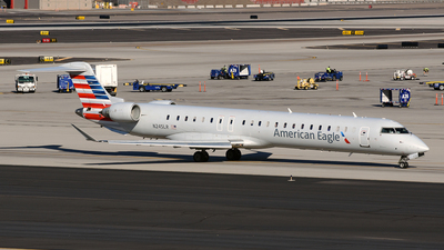 A picture of N245LR - Mitsubishi CRJ900LR - American Airlines - © DJ Reed - OPShots Photo Team