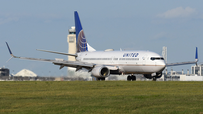 A picture of N38257 - Boeing 737824 - United Airlines - © DJ Reed - OPShots Photo Team