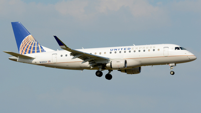 N135SY - Embraer 170-200LR - United Express (SkyWest Airlines)