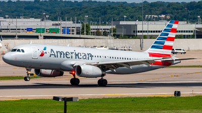 A picture of N664AW - Airbus A320232 - American Airlines - © Mateo Skinner