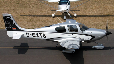 D-EXTS - Cirrus SR22T-GTS - Private
