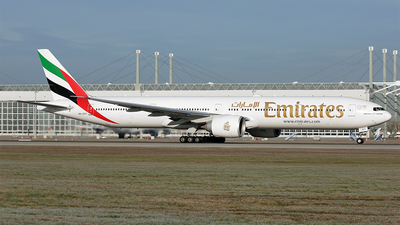 A6-EPY - Boeing 777-31HER - Emirates