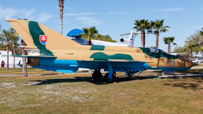 N7708 - Mikoyan-Gurevich MiG-21MF Lancer C - Private