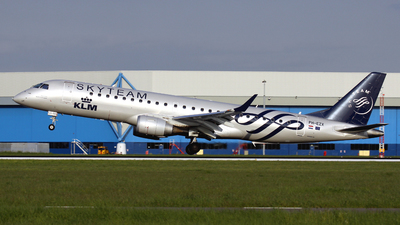 PH-EZX - Embraer 190-100STD - KLM Cityhopper
