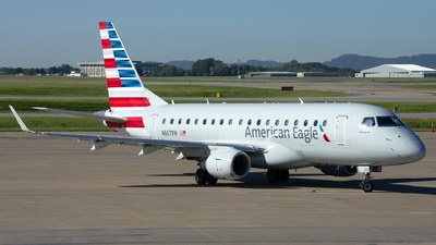 A picture of N867RW - Embraer 170SE - American Airlines - © Michael Rodeback