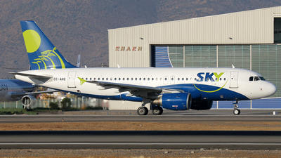 CC-AHC - Airbus A319-111 - Sky Airline