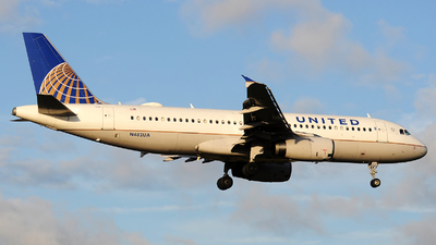A picture of N482UA - Airbus A320232 - United Airlines - © Alexander Portas