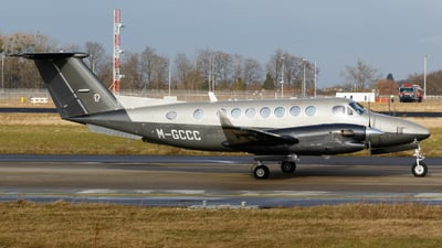 M-GCCC - Beechcraft B300 King Air 350 - Private