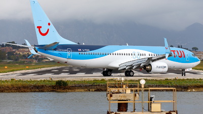 A picture of GFDZD - Boeing 7378K5 - TUI fly - © James Rowson