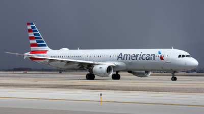 A picture of N199UW - Airbus A321211 - American Airlines - © Michael Rodeback
