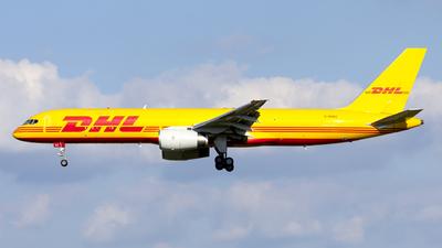 A picture of GDHKE - Boeing 75723N(PCF) - DHL - © Kris Van Craenenbroeck