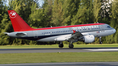 N342NB - Airbus A319-114 - Northwest Airlines