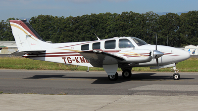 TG-KME - Beechcraft 58 Baron - Private