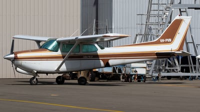 VH-PVN - Cessna 172RG Cutlass RG II - Private