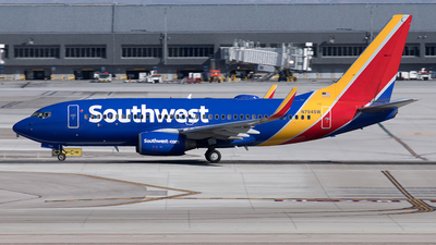 A picture of N794SW - Boeing 7377H4 - Southwest Airlines - © Yixin Chen