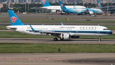 A picture of B8849 - Airbus A321211 - China Southern Airlines - © Leng Hao