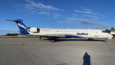 A picture of N768SK - Mitsubishi CRJ701ER - SkyWest Airlines - © Alexander Aston