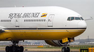 V8-BLF - Boeing 777-212(ER) - Royal Brunei Airlines