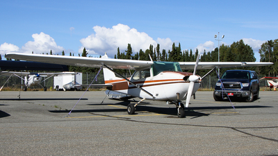 A picture of N2418U - Cessna 172D Skyhawk - [17250018] - © C. v. Grinsven