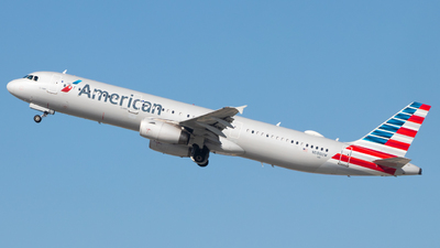 A picture of N586UW - Airbus A321231 - American Airlines - © Davin Amy