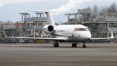HB-JFJ - Bombardier CL-600-2B16 Challenger 604 - Nomad Aviation