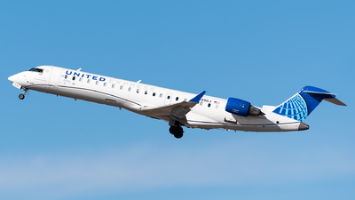 A picture of N549GJ - Mitsubishi CRJ550 - United Airlines - © Evan Dougherty