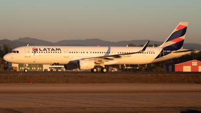 CC-BEC - Airbus A321-211 - LATAM Airlines
