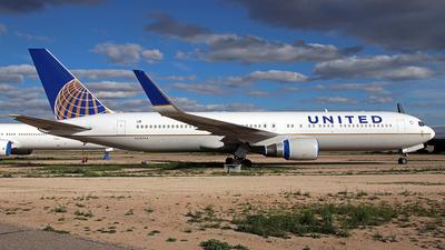 N592HA - Boeing 767-3CB(ER) - United Airlines