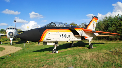 45-30 - Panavia Tornado IDS - Germany - Navy