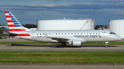 A picture of N123HQ - Embraer E175LR - American Airlines - © Evan Dougherty