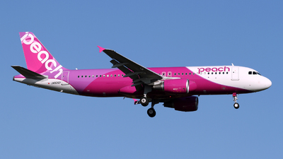 JA826P - Airbus A320-214 - Peach Aviation