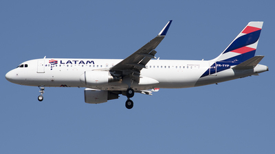 PR-TYP - Airbus A320-214 - LATAM Airlines