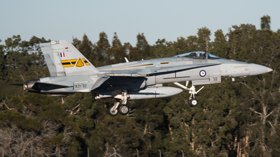 A21-32 - McDonnell Douglas F/A-18A Hornet - Australia - Royal Australian Air Force (RAAF)