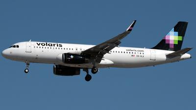XA-VLX - Airbus A320-233 - Volaris
