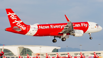 A picture of 9MAGM - Airbus A320216 - AirAsia - © Nigel Shim