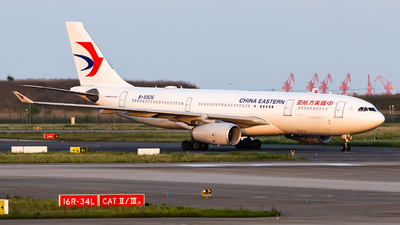 B-5926 - Airbus A330-243 - China Eastern Airlines
