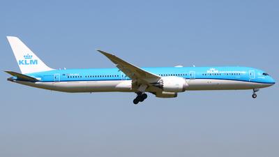A picture of PHBKF - Boeing 78710 Dreamliner - KLM - © Mark de Bruijn