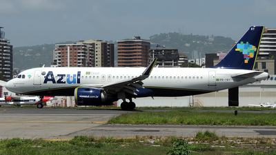 A picture of PRYRT - Airbus A320251N - Azul Linhas Aereas - © Julio Letona