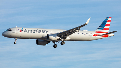 A picture of N424AN - Airbus A321253NX - American Airlines - © Alexander Owen