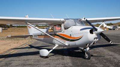 A picture of VHMVD - Cessna 172N Skyhawk - [17273660] - © Tai Morton